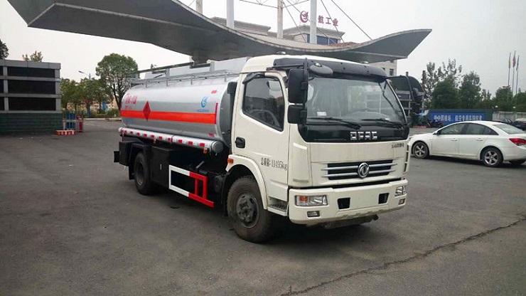 国五多利卡6吨流动加油车